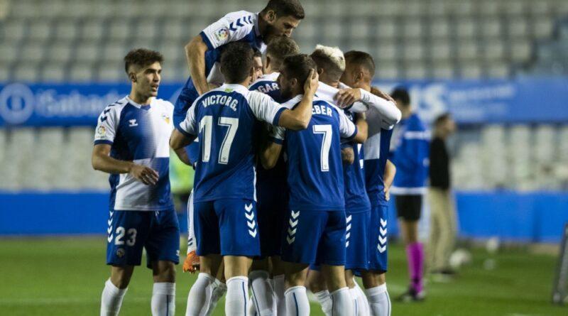 El Sabadell consigue su primera victoria en LaLiga SmartBank